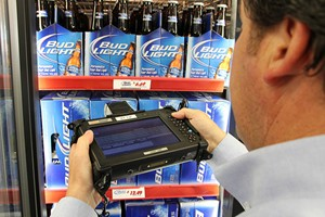 Mobile Demand xTablet T7000 with Bud Light beer